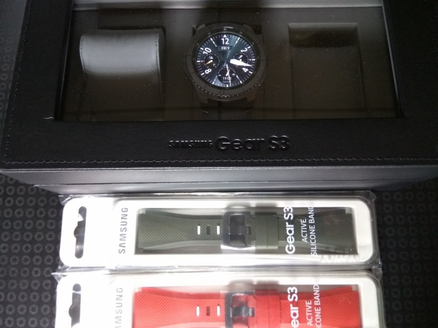 Samsung Gear S3 Free Gift Watch Box and Straps